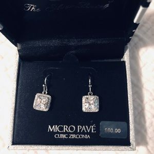 Earrings pave CZ